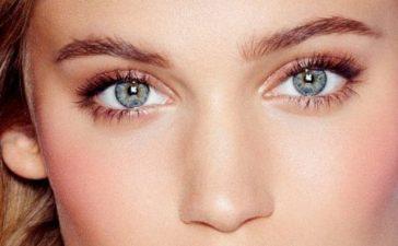3 أفكار مكياج لصاحبات العيون الزرقاء