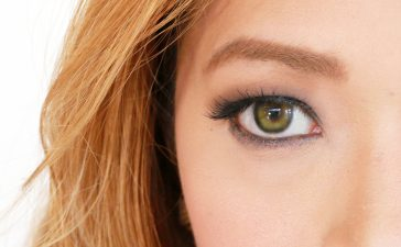 5 مستحضرات تجميل مناسبة لصاحبات العيون الخضراء!