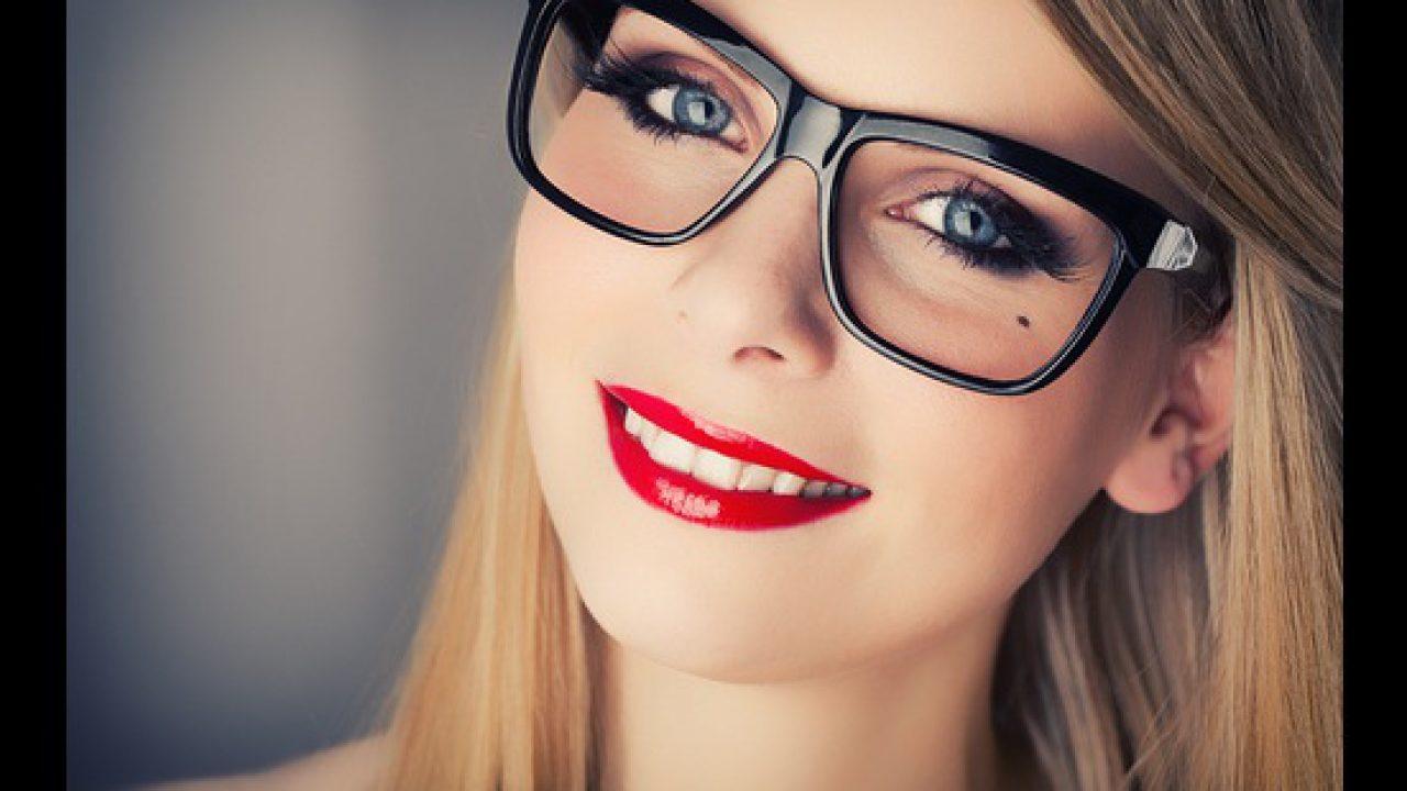 أخطاء مكياج عليك تجنبها عند وضع النظارة الطبية