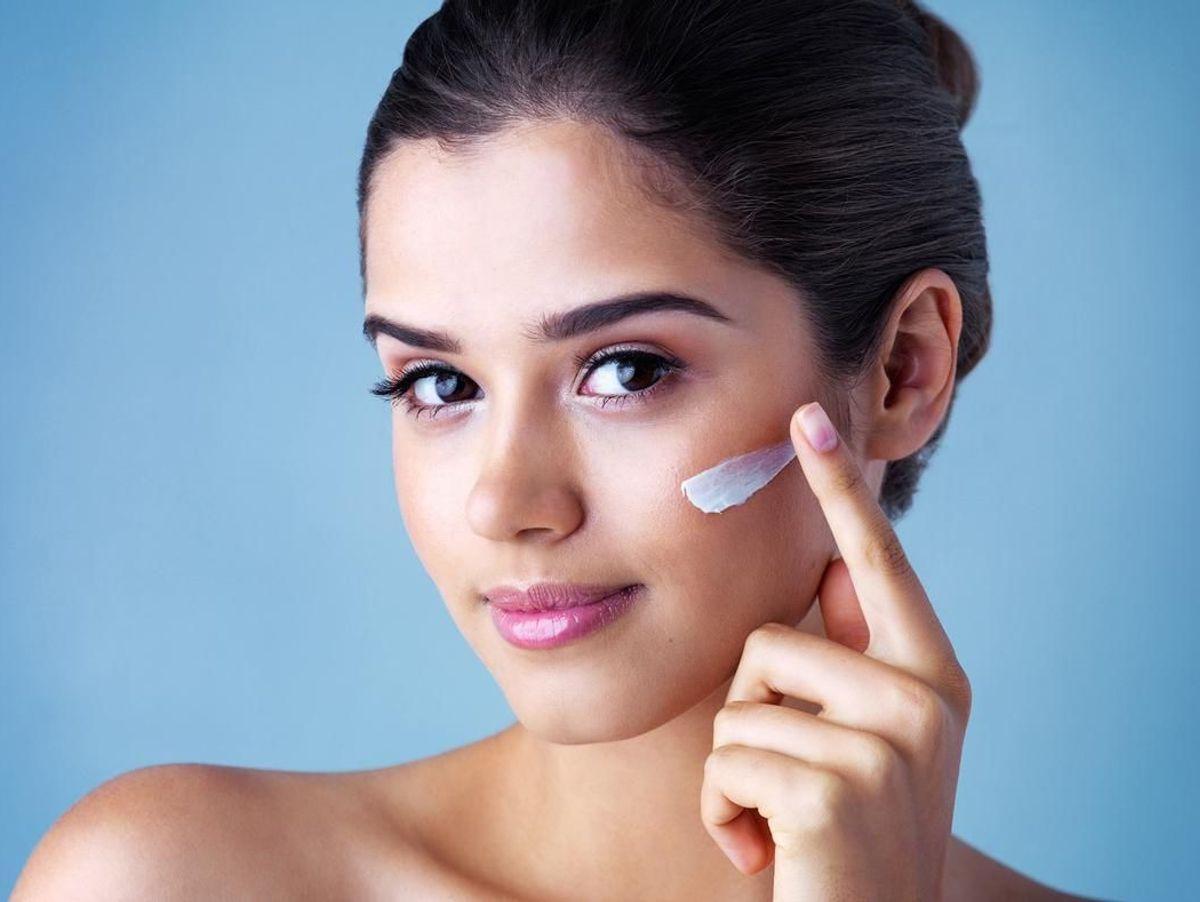 كيفية إزالة الأظافر الصناعية دون الإضرار بأظافرك